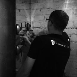 veidrodžių montavimas montavimo paslaugos